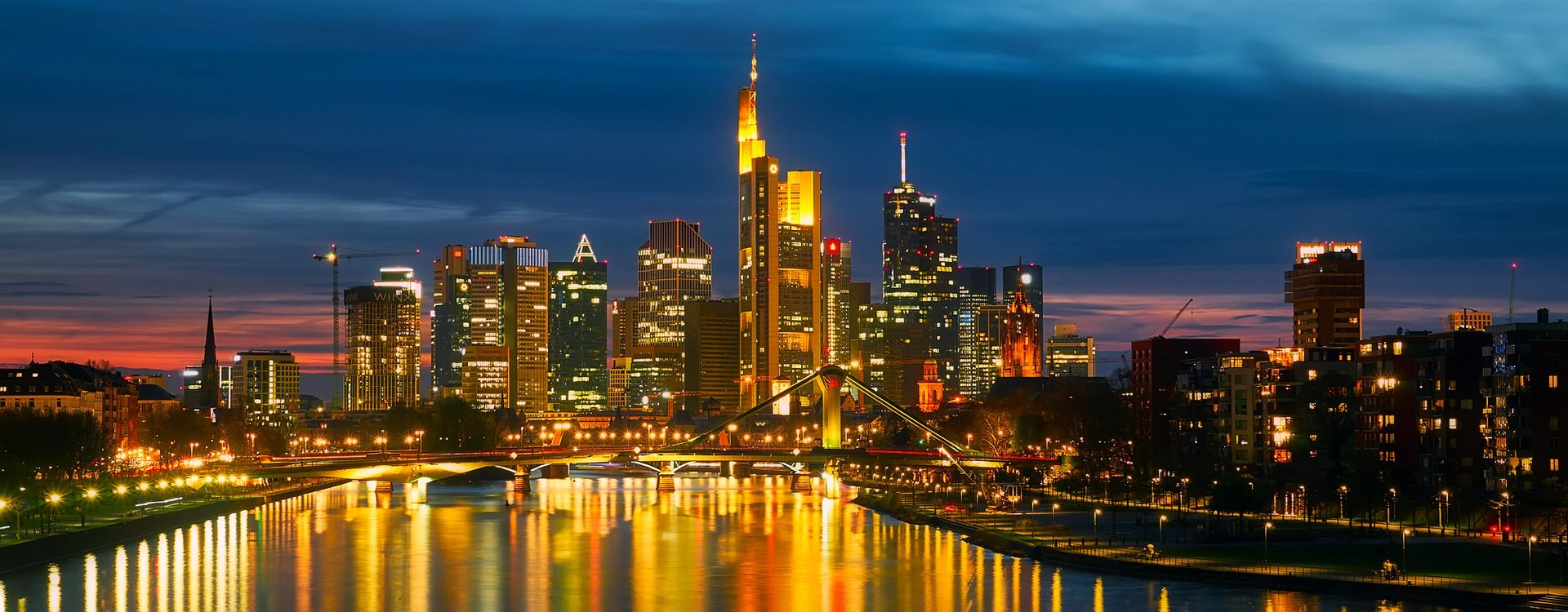 Frankfurt am Main: apartment houses in a good location
